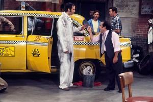 Энди Кауфман и Дэнни ДеВито в телевизионной комедии Такси, 1978.