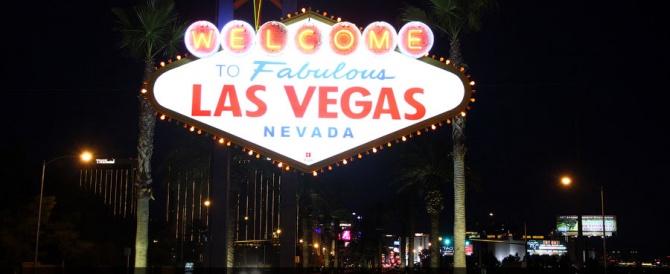 Город американского разврата. Лас-Вегас ночью.
