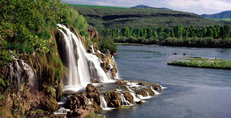 На реке Снейк в штате Айдахо, США
